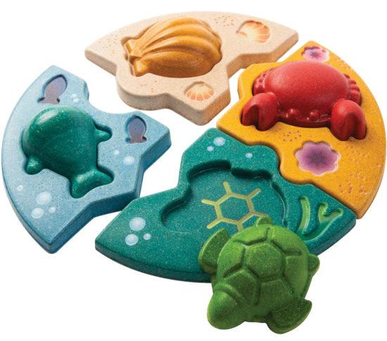 Spielzeug für die Badewanne für Kleinkinder aus nachhaltigen Materialien.